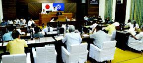 石垣市議会6月定例会が開会した=12日、市議会議場