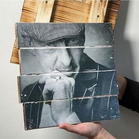Portrait auf Weinkistenholz / Fotokunst an der Wand