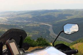 Blick vom Fakılar Geçidi-Pass (1050m) hinab ins Düzce Ovasi