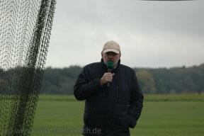 Horst Weißbach bei der offiziellen Begrüßung und Eröffnung