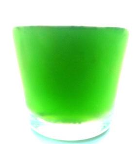 Grünes Kochwasser der Artischocken