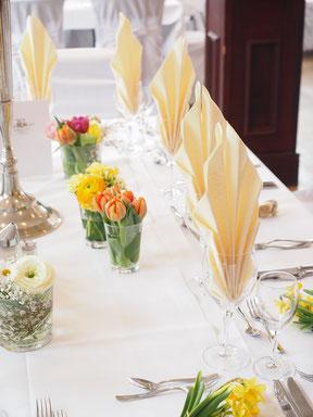 Frühlingsfarben, Tischdeko zur Hochzeit