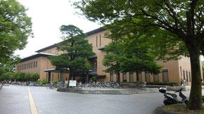 鶴舞中央図書館の外観写真