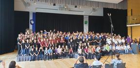 Gesamtfoto aller teilnehmenden Gruppen
