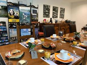 petit déjeuner-chambre d'hôtes-La Levraudière-Cheverny