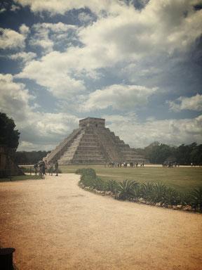 Chichén Itzá - die wohl bedeutendste Maya-Ruinenstätte. UNESCO-Weltkulturerbe und eines der neuen sieben Weltwunder.