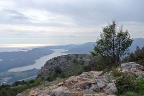 Ein erster Blick auf Kotor vom Lovcen-Pass