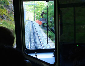 hinauf mit Gornergrat-Bahn