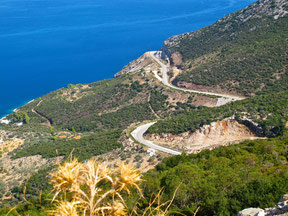 über die Berge hinüber nach  Palaia Epidauros