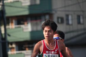 トップを走る招待選手の川内優輝。タイムは2:15:06。