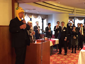 愛媛大学の矢田部先生による乾杯の挨拶