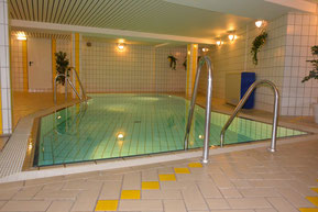 Bild: Schwimmbad in der Residenz Meeresbrandung