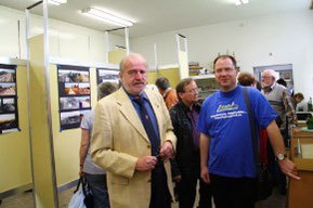 Zu Besuch beim Rudower Heimatverein (Links: Herr Ziemer, Rechts: Ingo Drews)