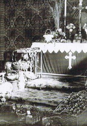 Altarraum zum Erntedankfest 1935