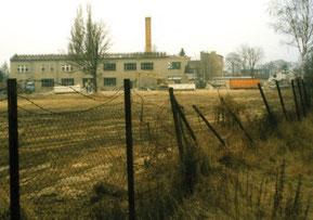 Abrissarbeiten an der umgebauten Werkhalle des VEB Stahl- und Leichtbau, früher Elfenbeinbleiche und Dickin-Werk