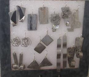 boucles d'oreilles en inox travaillés, diverses formes, faites main