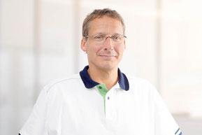 Zahnarzt Björn Clamors, Blomberg, Implantologie, Zahnersatz, Ästhetische Zahnheilkunde