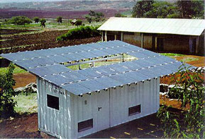 Suntainer - Hybrider Stromgenerator der ASE mit MIS-I-Solarmodulen in Karatu/Tanzania (Quelle: greenstar.org)