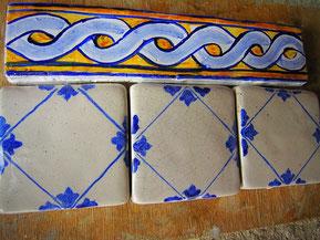 listelli in ceramica maiolica per cucina