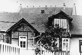 Jüdische Volksschule - links Schulsaal, rechts Lehrerwohnung