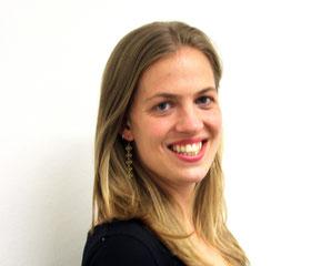 Julia Schulte. Traductora e intérprete profesional, traduce entre el alemán y el español y del francés al alemán.