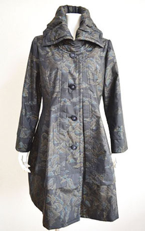 C.本場大島紬の着物からリメイク