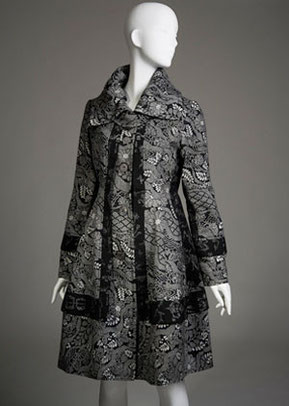 A.絞り風の縮緬の着物からリメイク