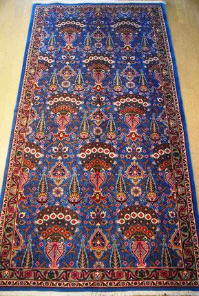 MASHHAD約175x100 珍しいサイズでしっかりとした織