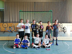Siegerehrung HW-Pokal U13 - Rapp/Flaig mitte hinten