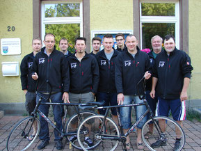 Gruppenbild beim Start zum Ausflug anläßlich des 30-jährigen Jubiläums der Radballabteilung Langenschiltach