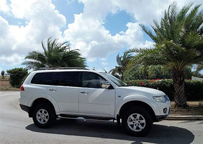 Mitsubishi-Montero-Sport-urlaub-curacao-villa-ferienhaus-pool-karibik