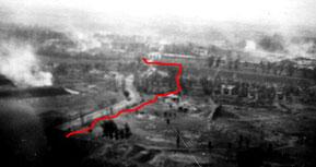 На фото, снятом днем 22 июня 1941 г.  с немецского самолета видна цитадель крепости подвергшаяся разрушениям. Красной линией обозначен путь прорывавшейся группы, в которой был Ришат Исмагилов