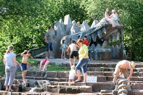 Tatzelwurm beim Kinderspielplatz im Dreiländergarten