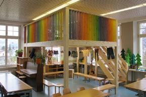 Klassenzimmer mit Zwischenboden