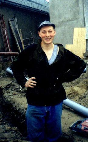 Я на стройке Зала Царства в Нальчике. 2005 г.