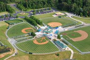 Nella foto lo splendido baseball park di Cove Creek costruito da John Grisham per i giovani della Little League
