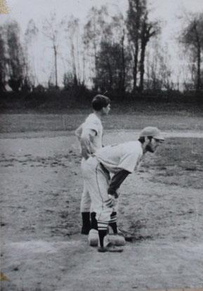 """Il campo del """"Boschetto"""" - Nella foto in piedi Paolo Castagnini con Giampaolo Bigarello"""