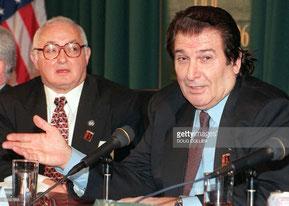 Nella foto Aldo Notari (dx) con Richard W. Case (sx) rispettivamente Presidente e Segretario Generale dell'IBA (Getty Images)