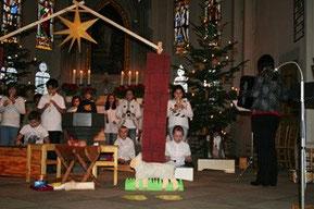 Die Chorkinder beim Weihnachtsgottesdienst 2015