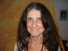 Pyari, logo depois de fazer a meditação dinâmica do Osho, no Osho Mani, 2007
