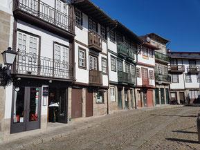 Mittelalterliche Häuser in Guimaraes