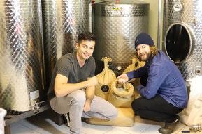 生産者-シュテファン・ジーグル(右)とルーカス・ゾルガー(左) © Stefan Sigl, Lukas Sorger – Alpin Sake