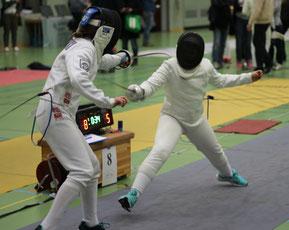 Lillian Charlize Henrich (links) während ihres Viertelfinalgefechtes in Kassel