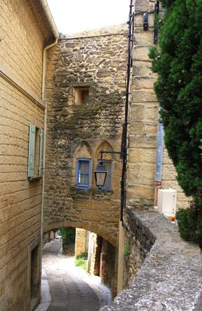 Bild: Straße in Châteauneuf du Pape