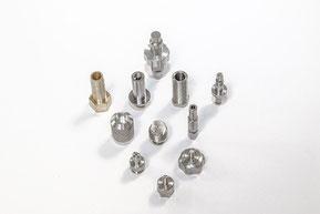 décolletage titane d'implants dentaires : l'usinage de précision de moyenne série