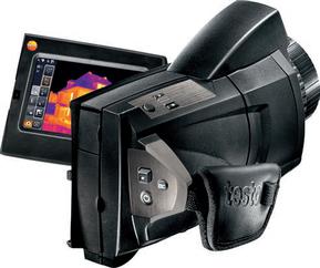Schimmelgefahr auf dem Display der Wärmebildkamera wird angezeigt