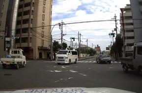 ドライブレコーダーによる右折場面の撮影映像①