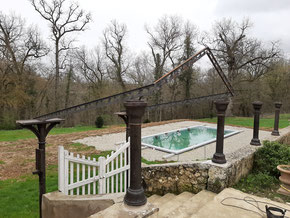 Construction du auvent de la piscine du Château La Hitte