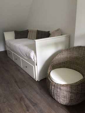 Bedroom 1: Daybed in couch position
