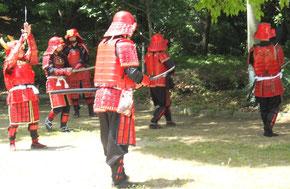 天王寺博、茶臼山で稽古中の甲冑隊